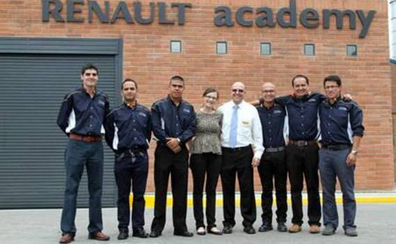 Normal_renault-academy-colombia-2014